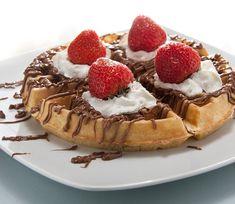 Παγκόσμια ημέρα της πολυαγαπημένης βάφλας: Πώς να φτιάξετε σπιτικές & συνταγές για τις καλύτερες   eirinika.gr Waffles, Breakfast, Food, Morning Coffee, Essen, Waffle, Meals, Yemek, Eten