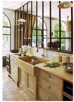 An Impartial View of Impressive Modern Kitchen Interior Designs - flipsyourhome Interior, Cheap Home Decor, Home Decor, House Interior, Home Deco, Home Kitchens, Kitchen Canopy, Modern Kitchen Interiors, Interior Design