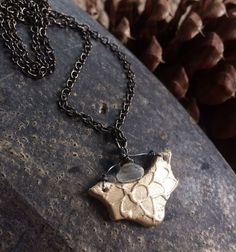 Diffuser Pendant Necklace for Essential Oils Uniquely Handcrafted by Min Favorit #MinFavorit