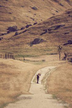 Oruawharou wedding photography    Hawke's Bay wedding photographers, Eva Bradley Photography  https://www.evabradley.co.nz/  #hawkesbayweddings  #nzweddings  #hawkesbayweddingvenues