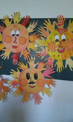 Slunicko Diy And Crafts, Crafts For Kids, Handprint Art, Spring Art, Art Club, Art Education, Art For Kids, Pikachu, Kindergarten