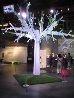 This cardboard tree with post-it note leaves made an impressive display in a Paris car showroom.  I loved the idea as an idea sharing board at your next event or conference.  Encourage attendees to add leaves to the tree by writing feedback about the event, product improvement ideas for your company, or any other feedback you'd like to gather.  Or consider this as an inexpensive and witty use of office supplies for a company function.