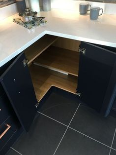 Gorgeous Corner Cabinet Storage Ideas For Your Kitchen 44 Small Kitchen Remodel Cabinet Corner gorgeous Ideas Kitchen Storage Diy Kitchen Storage, Home Decor Kitchen, Storage Cabinets, Interior Design Kitchen, Kitchen Furniture, New Kitchen, Corner Cabinets, Corner Cabinet Kitchen, Kitchen Ideas