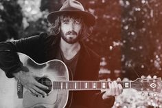 Angus Stone, perfect man...