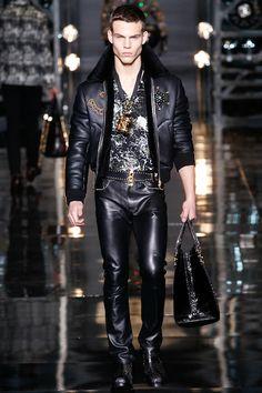 Modeconnect.com - Versace Fall 2014 Menswear