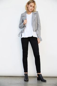 Grey Leather Jacket, Leather Jacket Outfits, Suede Moto Jacket, Pretty Outfits, Fall Outfits, Pretty Clothes, Green Jacket, Skinny Fit, Jackets For Women