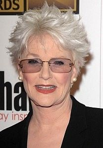 Sharon Gless-Classy Celebrity Hairstyles for Women with Gray Hair l www.sophisticatedallure.com