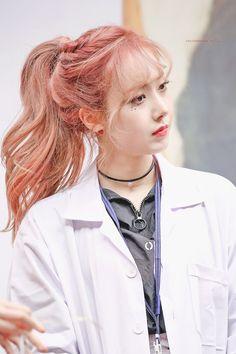 Check out GFriend @ Iomoio Kpop Girl Groups, Korean Girl Groups, Kpop Girls, Sinb Gfriend, Gfriend Sowon, Gfriend Album, Extended Play, Kpop Hair, Asian Hair