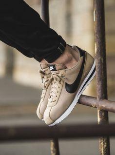 Kicks Shoes, New Shoes, Zapatillas Nike Cortez, Sneakers Fashion, Sneakers Nike, Men's Fashion, High Fashion, Skate Wear, Baskets