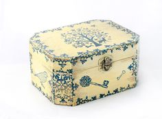 Christmas Wooden Box  6 1/2 / 5/ 3 by MyHouseOfDreams on Etsy, $27.00