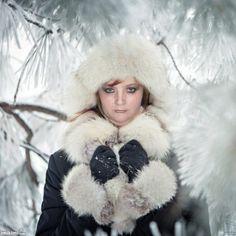 Winter Girl Reborn Dolls, Fur Coat, Winter Hats, Template, Jackets, Nursery, Fashion, Down Jackets, Moda