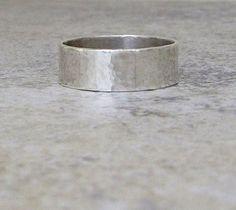 Anillo de plata anillos de boda rústicos hombres de por SilverSmack