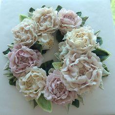 남은꽃으로 어레인지.... 작약....할수록 어렵구... 다른 꽃들도 할수록 어려웡