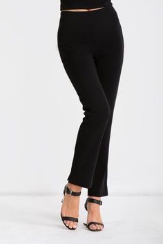 Soon to be one of your go-to pieces. The Savona Pants are a fitted, full... Ready To Wear, Capri Pants, Pairs, Blazer, Model, How To Wear, Collection, Fashion, Moda