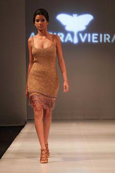 Alzira Vieira desfila delicadeza e elegância no GOFashion | Finíssimo - Brasília na Moda