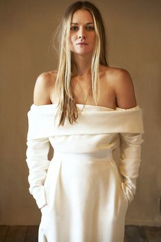 Cool British bridal label BON BRIDE is coming to Archive 12 boutique in Belfast. Modern plain silk and wool wedding dresses for the kick ass bride. Minimal Wedding Dress, Plain Wedding Dress, Wedding Dress With Pockets, Wedding Dress Sleeves, Long Sleeve Wedding, White Wedding Dresses, Bridal Dresses, Bridal Gown, Sleeve Dresses