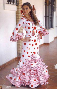 Ruffles and Lace Flamenco Costume, Flamenco Dancers, Flamenco Dresses, Spanish Dress, Spanish Dancer, Costume Ethnique, Spanish Fashion, Lace Ruffle, Ruffles