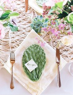 cactus place setting ideas / http://www.deerpearlflowers.com/cactus-wedding-ideas/