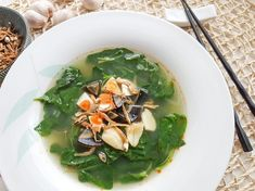 Tender spinach cooked in a delicious ikan bilis (dried anchovies) stock. The salted egg and century egg takes it up a notch!