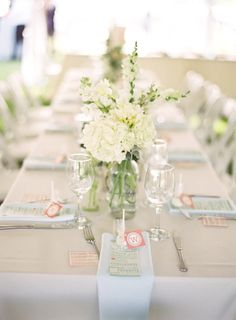 easy chic tablescapes for a seaside affair  Photography by gabeaceves.com, Floral Design by cachefleurweddingflowers.com