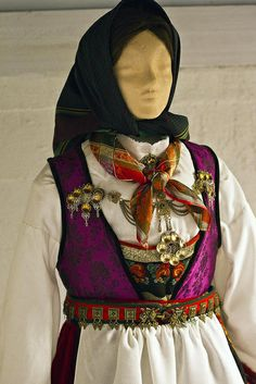 Detail from old Norwegian national costumes. The collection of Rikard Berge and from the exebition at Seljord of old costumes from Telemark county, Norway Tribal Dress, Folk Embroidery, Wedding Costumes, Bridal Crown, Color Shapes, Folk Costume, Festival Wear, Traditional Dresses, Dance Wear