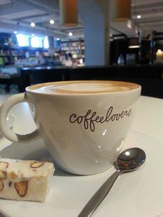 Goede boeken en cappuccino.