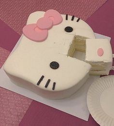 you are loved dearly Hello Kitty House, Hello Kitty Cake, Hello Kitty Items, Hello Kitty Cookies, Hello Kitty Birthday Cake, Dessert Kawaii, Cute Baking, Cute Birthday Cakes, Cute Desserts