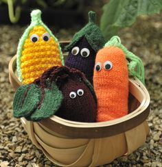 Knitted vegetables - free pattern