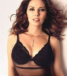 See Shania Twain pictures, photo shoots, and listen online to the latest music. Heather Graham Hot, Shania Twain Pictures, Country Female Singers, Phoebe Cates, Thats The Way, Hot Actresses, Bikini Bodies, Hottest Models, Country Girls