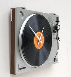 fshess's save of Clock made from a recycled turntable Lost At E Minor: For creative people on Wanelo