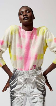 Get inspired and discover The Elder Statesman Exclusive Capsule Collection trunkshow! Shop the latest The Elder Statesman Exclusive Capsule Collection collection at Moda Operandi. Tye And Dye, Tye Dye, Designs Tie Dye, Short Blanc, Parisienne Chic, Tie Dye Fashion, Fashion Lookbook, Fashion Trends, Tie Dye Outfits