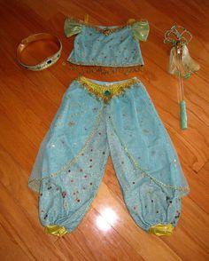 Disfraz Jasmine De Aladdin | Diseño imágenes Jasmine Costume Kids, Aladdin Costume, Jasmin Party, Princess Jasmine Costume, Aladin Disney, Shimmer And Shine Costume, Diy Costumes, Halloween Costumes, Little Girl Costumes