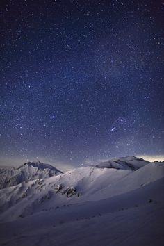 Back of Tateyama mountain range  & The Milky Way  by Noriko Tabuchi