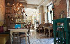 Интерьер кафе «Мечтать» в Кемерово.