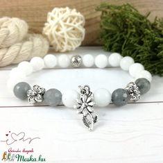 Szürke virágok jade ásvány karkötő (Arindaekszerek) - Meska.hu Beaded Bracelets, Diy, Jewelry, Jewlery, Bricolage, Jewels, Jewerly, Jewelery, Do It Yourself