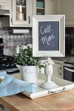 The best DIY projects & DIY ideas and tutorials: sewing, paper craft, DIY. Diy Crafts Ideas Turn a thrift store lamp and frame into a memo chalkboard! Repurposed Furniture, Diy Furniture, Furniture Refinishing, Refurbished Furniture, Origami Furniture, Camping Furniture, Furniture Assembly, Small Furniture, Plywood Furniture