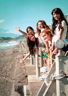 SNSD Yuri, Yonna, Sunny, Sooyoung & Jessica