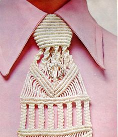 1970s Macrame Mens Hipster Tie Pattern