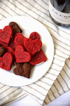 Julie Blanner: Homemade Valentine Oreos Friday Follow #9 http://cherishingasweetlife.blogspot.com/2015/02/follow-friday-9.html