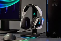 Dedicated: The 12 Best Gaming Headsets | Improb Best Gaming Headset, Gaming Headphones, Gaming Desk Setup, Gaming Computer, Best Dual Monitor Setup, Gaming Accessories, Xbox One, Game Room, Ipod