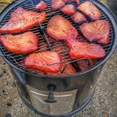 Smoked Tuna Steak Recipe, Tuna Steak Recipes, Fish Recipes, Soup Recipes, Cooking Recipes, Smoker Recipes, Tuna Marinade, Grilled Tuna Steaks