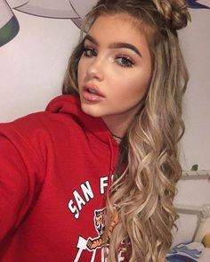 grafika girl, beauty, and sophia mitchell Beauty Makeup, Hair Makeup, Hair Beauty, Girl Boxers, Chica Cool, Tips Belleza, Pretty Face, Cute Hairstyles, Hair Goals