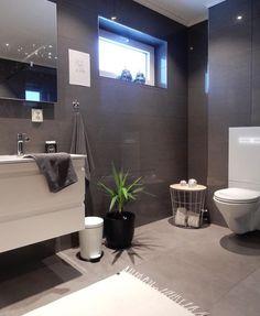 Dark Gray Bathroom, Grey Bathrooms, Beautiful Bathrooms, Home Focus, Tree House Designs, Roomspiration, Bathroom Interior Design, Bathroom Inspiration, Home Decor