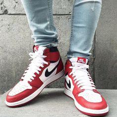 Air Jordan 1 'Chicago Og' @jordan1club #Jordan1club  Pic By @owaishsb  _______________________________________________  @jordandepot #JordanDePot @solelysneakers #SolelySneakers  @sneakgallery #SneakGallery @menwithfootwear #MenWithFootWear @mobilesneakers #MobileSneakers @blckgenesis #BlckGenesis @blkvis #BlkVis  @wdywt #WDYWT _______________________________________________ #Jordan #Jordan1Chicago #Swoosh #jordan_daily #jordanfeatures #sneakershouts #sneakerscon #sneakerfuture #sneakerfiles…