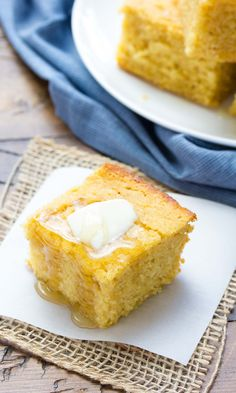 This whole grain Sweet Honey Cornbread is refined sugar free and made with cornmeal and whole wheat flour. It is our favorite cornbread recipe! Healthy Cornbread, Easy Cornbread Recipe, Buttermilk Cornbread, Homemade Cornbread, Sweet Cornbread, Cornmeal Recipes, Honey Recipes, Baking Recipes, Whole Food Recipes