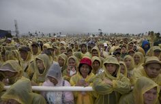 A large crowd of the faithful listens as the pontiff delivers his homily during a Mass in Tacloban, Philippines, on Saturday, January Philippines Cities, Large Crowd, Quiet Moments, Pope Francis, Short Cuts, Good People, Good News, Asia, Take That