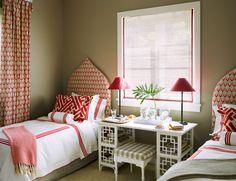 Dunmore Guest Bedroom/Branca