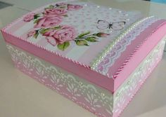 Caixa Wooden Jewelry Boxes, Jewellery Boxes, Wooden Boxes, Decoupage Box, Decoupage Vintage, Home Crafts, Easy Crafts, Diy And Crafts, Shabby Bedroom