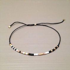 Tendance & idée Joaillerie 2016/2017 Description Bracelet soie perlée de minuscules délicat bracelet superposition Bracelet est fait dun Miyuki Delica perl