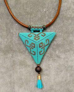 Deri kordonlu miyuki muska kolye #pendant #kolye #miyuki #beadwork #handmadejewelry #elemeği #elişi #takı #bijouterie #bijuteri #accessories #aksesuar #necklace